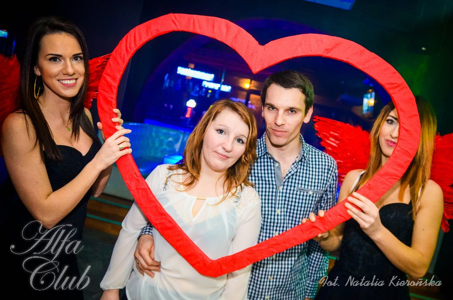 academic journals on online dating